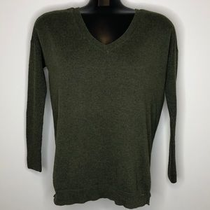 AMERICAN EAGLE green v-neck lightweight sweater S
